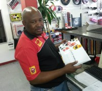 Autozone sales team receive new Indy Oil catalogue.jpg